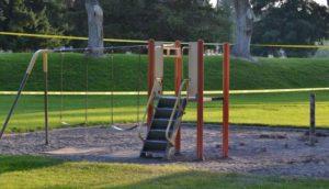 Cut_Playground01