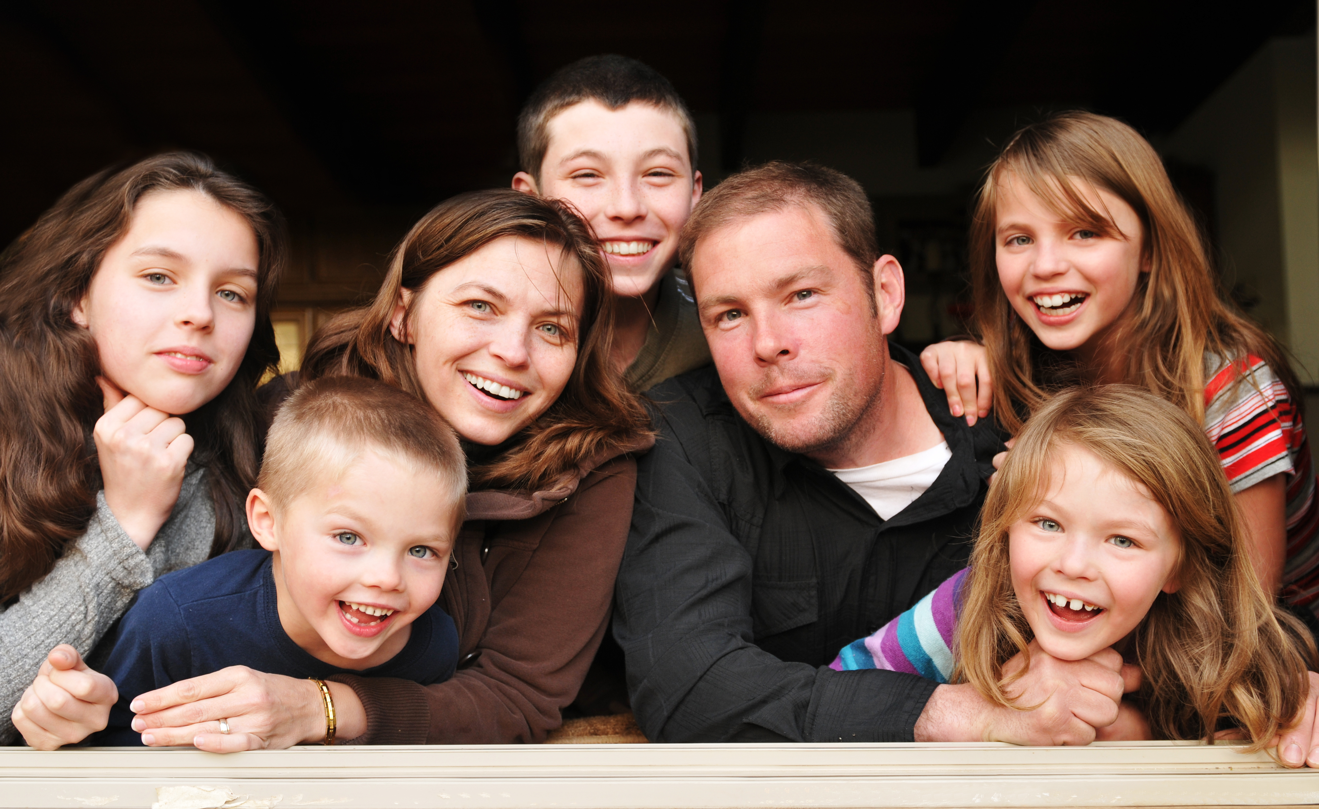 02458766 4 advantages of having a big family | East Idaho News
