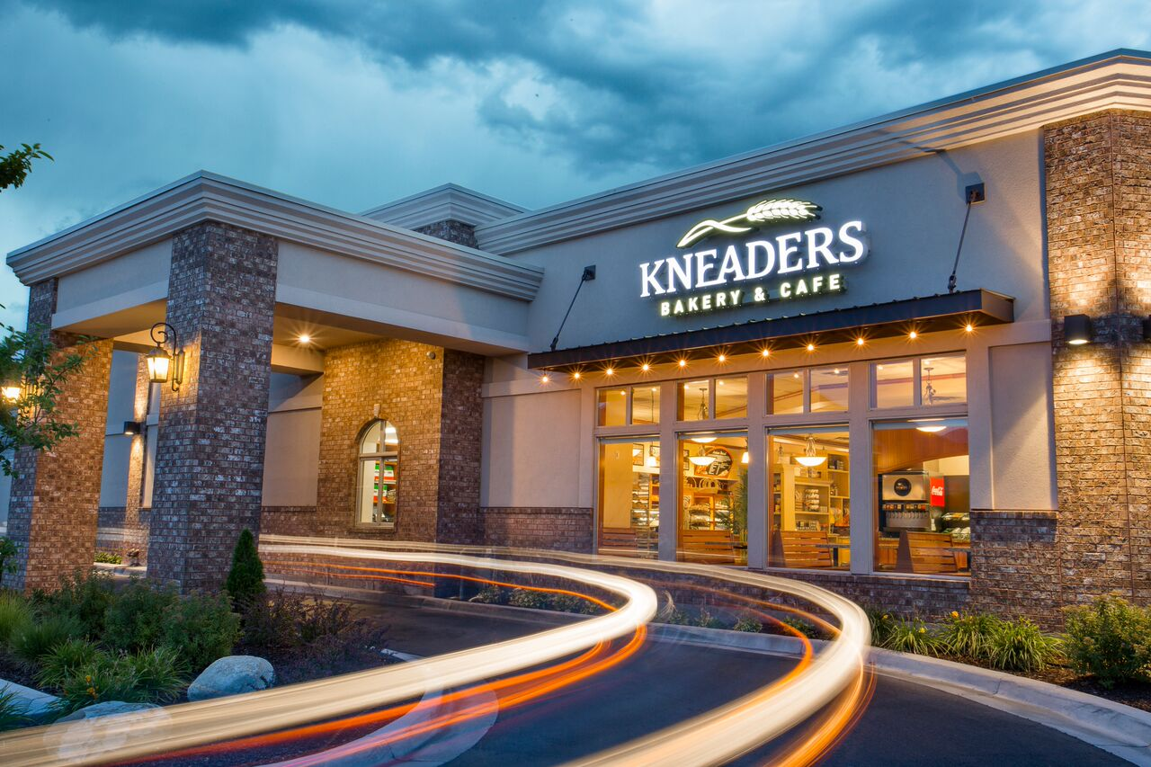Kneaders02