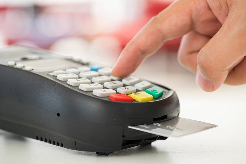 Small businesses allowed to sue credit card giants over chip readers new york cnnmoney a judge is allowing small businesses to sue the major credit card companies for forcing them to adopt chip readers at the checkout colourmoves