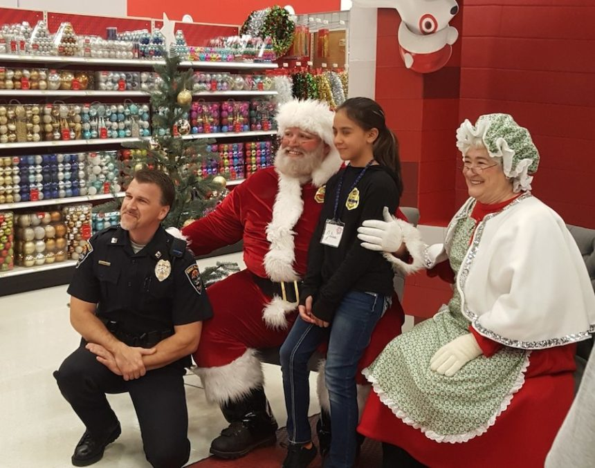 Police take children Christmas shopping