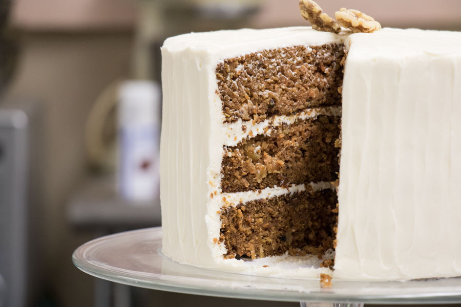 Desis Custom Cakes