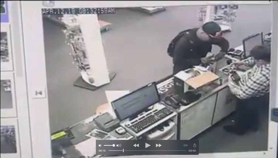 Local Radio Shack manager says man stole expensive police