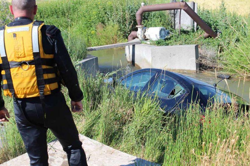 Car Wreck Canal2