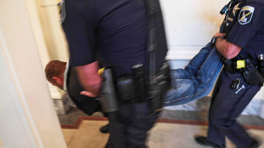 Ammon Bundy dragged out of Idaho Capitol
