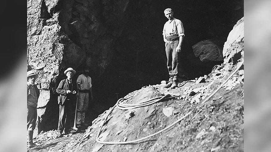 Neanderthal dig at La Cotte in 1881