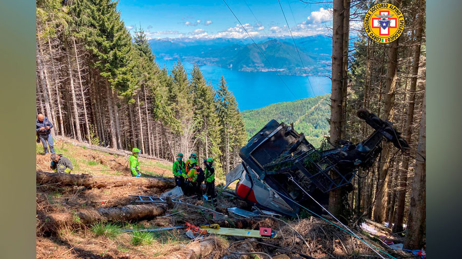 At least 12 killed as Italian cable car plunges into ...