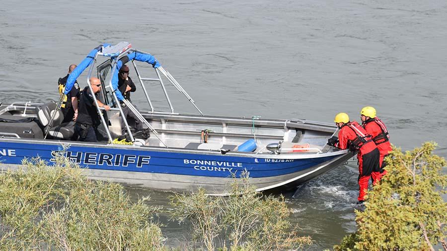 Sheriffs Boat car in Water