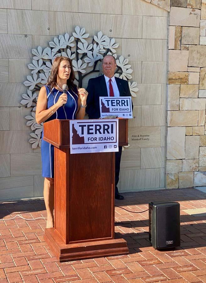 Terri Pickens Manweiler announces candidacy