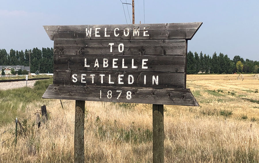labelle sign