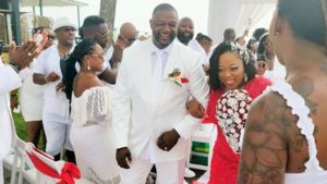 Simmons get married